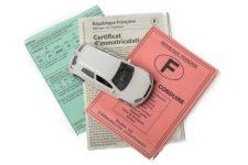 Documents assurance auto © Pixavril - Shutterstock.com